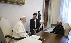 Pope Francis and Metr. Hilarion